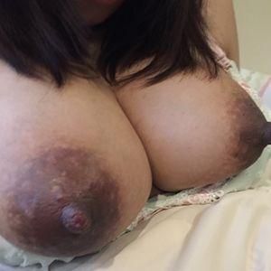 爆乳妊娠人妻